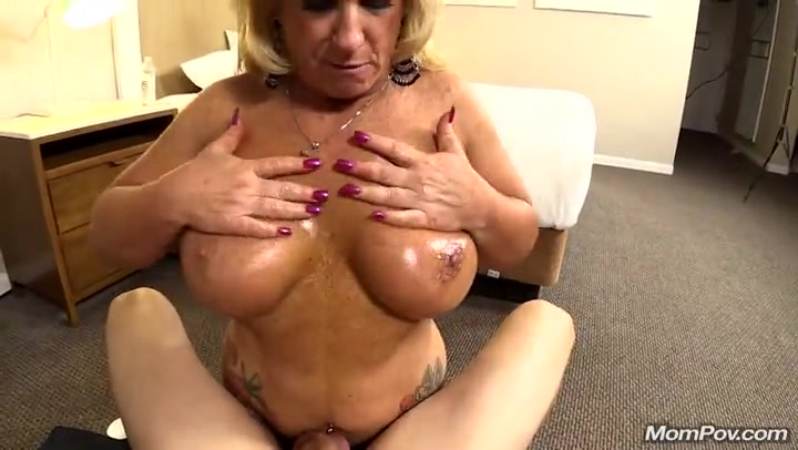 pussy licking me