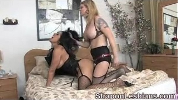 free pussy eating clips