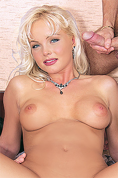 homemade sex blonde submissive